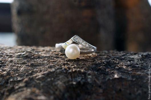 Кольца ручной работы. Ярмарка Мастеров - ручная работа. Купить Кольцо из серебра 925 пробы  с белым жемчугом. Handmade. Серебряный