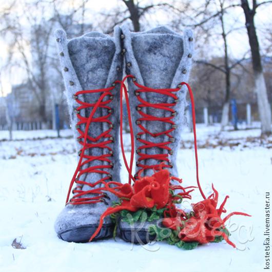 """Обувь ручной работы. Ярмарка Мастеров - ручная работа. Купить Валенки женские """"Елена"""" серый красный валенки шерсть. Handmade."""