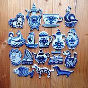 Народные сувениры ручной работы. Ярмарка Мастеров - ручная работа Гжель Магниты для коллекции фарфор авторская ручная работа. Handmade.