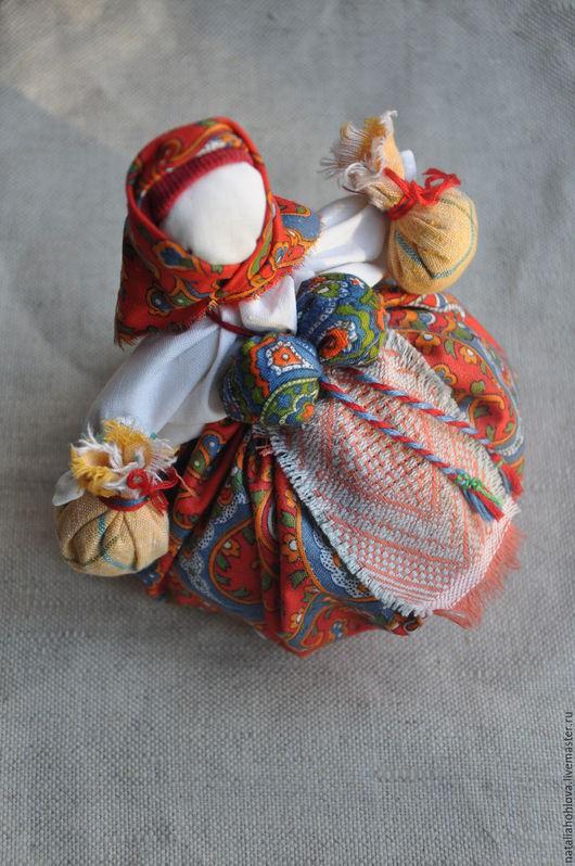 Народные куклы ручной работы. Ярмарка Мастеров - ручная работа. Купить Народная кукла - Травница. Handmade. Ярко-красный, оберег