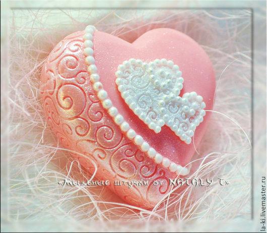 """Мыло ручной работы. Ярмарка Мастеров - ручная работа. Купить Мыло """"Два сердца"""". Handmade. Розовый, два сердца"""