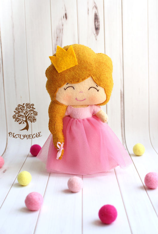 """Человечки ручной работы. Ярмарка Мастеров - ручная работа. Купить Игровая кукла из фетра """"Принцесса в розовом"""". Handmade. Игрушка из фетра"""