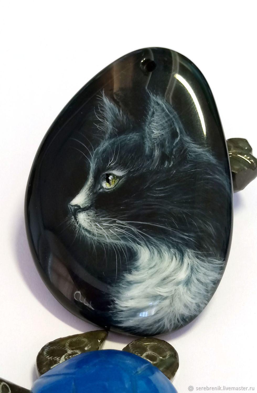 Кулоны, подвески ручной работы. Ярмарка Мастеров - ручная работа. Купить Чёрный кот – кулон с черным котом на бисерном шнуре (лаковая живопись). Handmade.