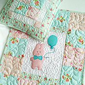 """Куклы и игрушки ручной работы. Ярмарка Мастеров - ручная работа Одеяло и подушка для куклы """"Розовый зайчик, мятные облака"""". Handmade."""