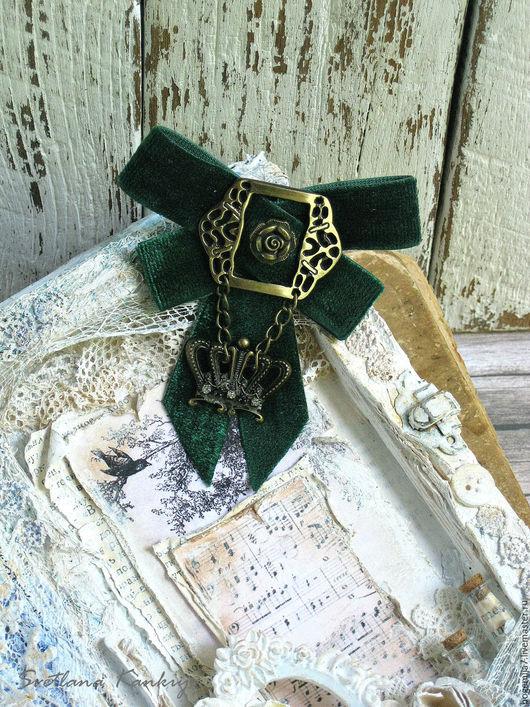 """Броши ручной работы. Ярмарка Мастеров - ручная работа. Купить Брошь """"Корона"""" (темно-зеленый). Handmade. Брошь, ТЕКСТИЛЬНЫЕ БРОШИ"""