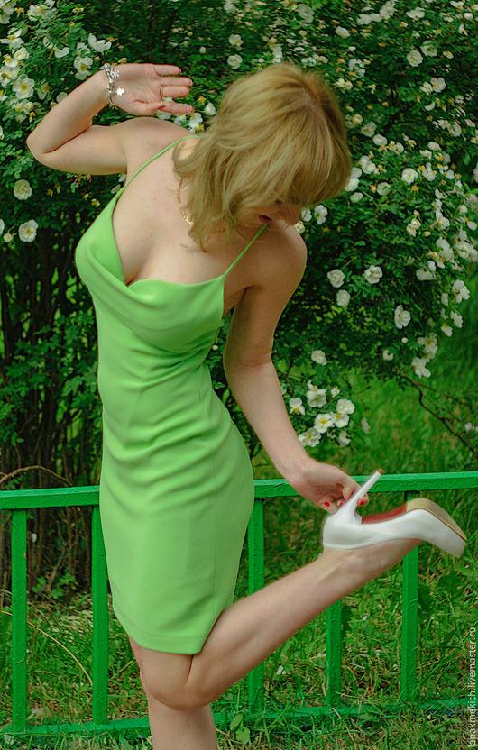 """Платья ручной работы. Ярмарка Мастеров - ручная работа. Купить Шелковое коктельное платье """"Ландыш"""". Handmade. Салатовый, платье с декольте"""