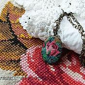 """Украшения ручной работы. Ярмарка Мастеров - ручная работа кулон с микровышивкой """"роза"""". Handmade."""