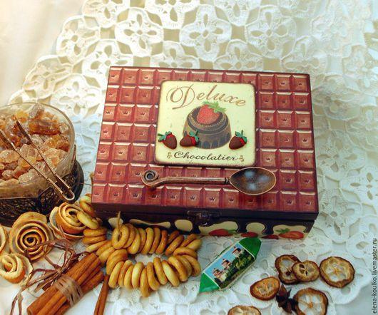 """Кухня ручной работы. Ярмарка Мастеров - ручная работа. Купить Коробка для чая """"Клубника в шоколаде"""". Handmade. Коричневый, клубника, чипборд"""