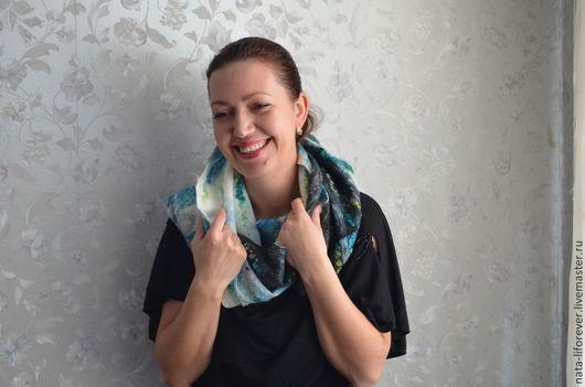 Шарфы и шарфики ручной работы. Ярмарка Мастеров - ручная работа. Купить Валяный шарф-снуд Дыхание весны. Handmade. Аквамарин
