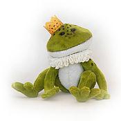 Мягкие игрушки ручной работы. Ярмарка Мастеров - ручная работа Принц лягушка. Handmade.