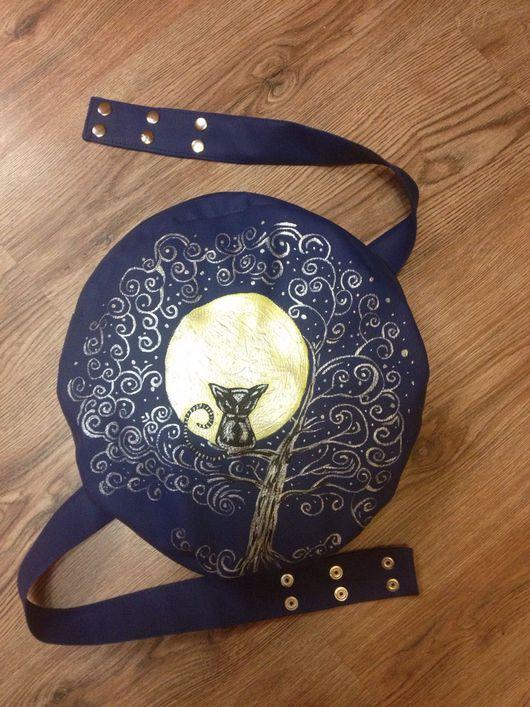 """Женские сумки ручной работы. Ярмарка Мастеров - ручная работа. Купить Скидка 50%!!! Круглая сумка-рюкзак """"Зачарованный кот"""". Handmade."""