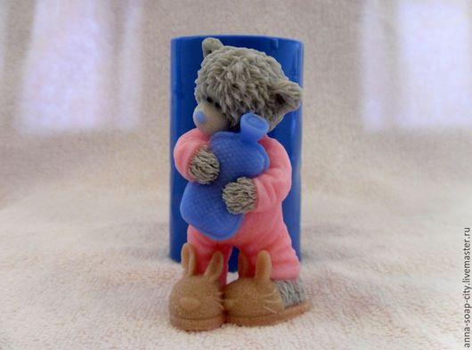 """Другие виды рукоделия ручной работы. Ярмарка Мастеров - ручная работа. Купить Силиконовая форма для мыла """"Мишка Тедди с грелкой"""". Handmade."""