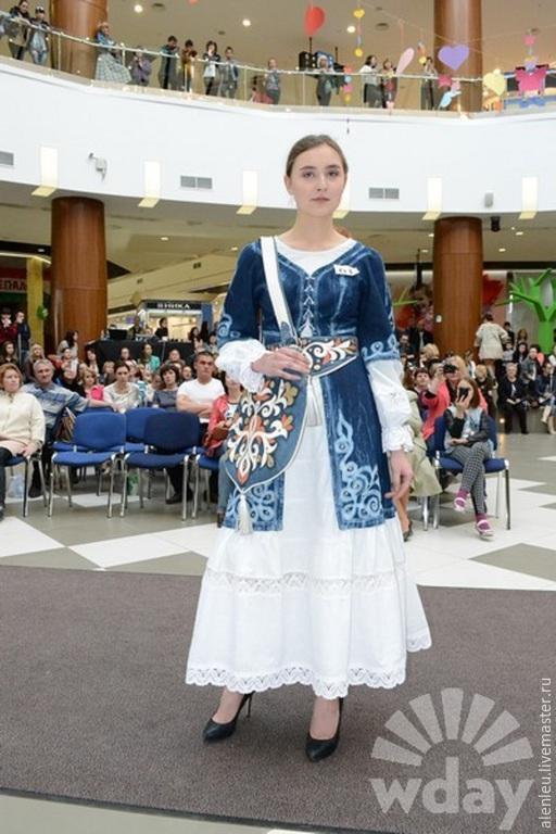 """Платья ручной работы. Ярмарка Мастеров - ручная работа. Купить """"Адель"""" джинсовое дизайнерское платье. Handmade. Синий, вышивка, с узором"""