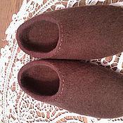 Обувь ручной работы. Ярмарка Мастеров - ручная работа Коричневые тапки. Handmade.