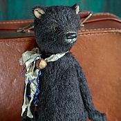 Куклы и игрушки ручной работы. Ярмарка Мастеров - ручная работа Черный мишка с бубенчиком. Handmade.