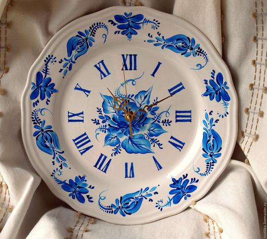 """Часы для дома ручной работы. Ярмарка Мастеров - ручная работа. Купить Настенные часы """"Гжель"""". Handmade. Синий, подарок бабушке"""