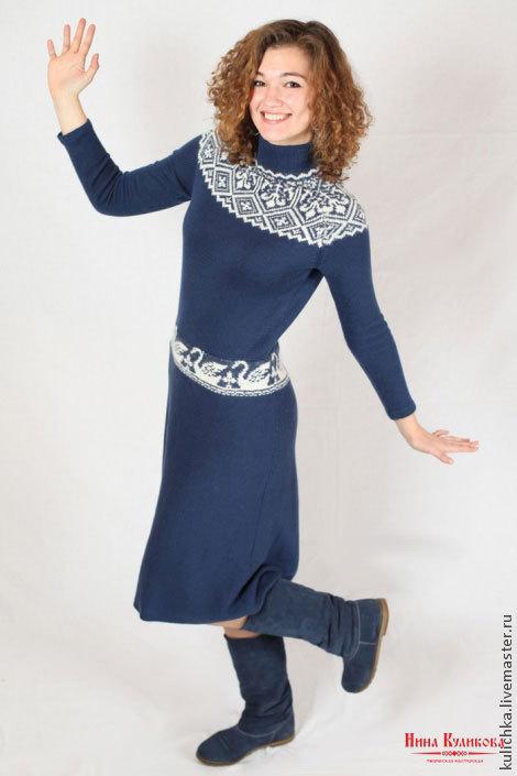 Платья ручной работы. Ярмарка Мастеров - ручная работа. Купить авторское вязаное платье Белый лебедь. Handmade. Тёмно-синий