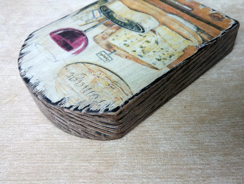 Декоративная посуда ручной работы. Ярмарка Мастеров - ручная работа. Купить Сырная досочка из вяза 'Сыры'. Handmade. Декупаж, браширование