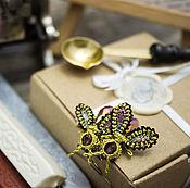 """Украшения ручной работы. Ярмарка Мастеров - ручная работа Серьги """"Золотые осы"""" (кружево, насекомые, викторианский стиль). Handmade."""