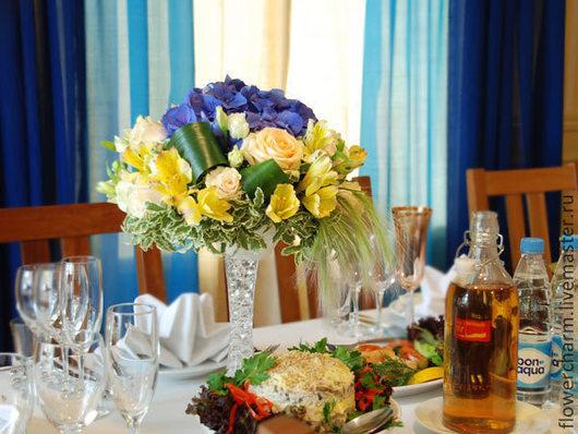 Оформление свадьбы цветами в кремово-синей гамме
