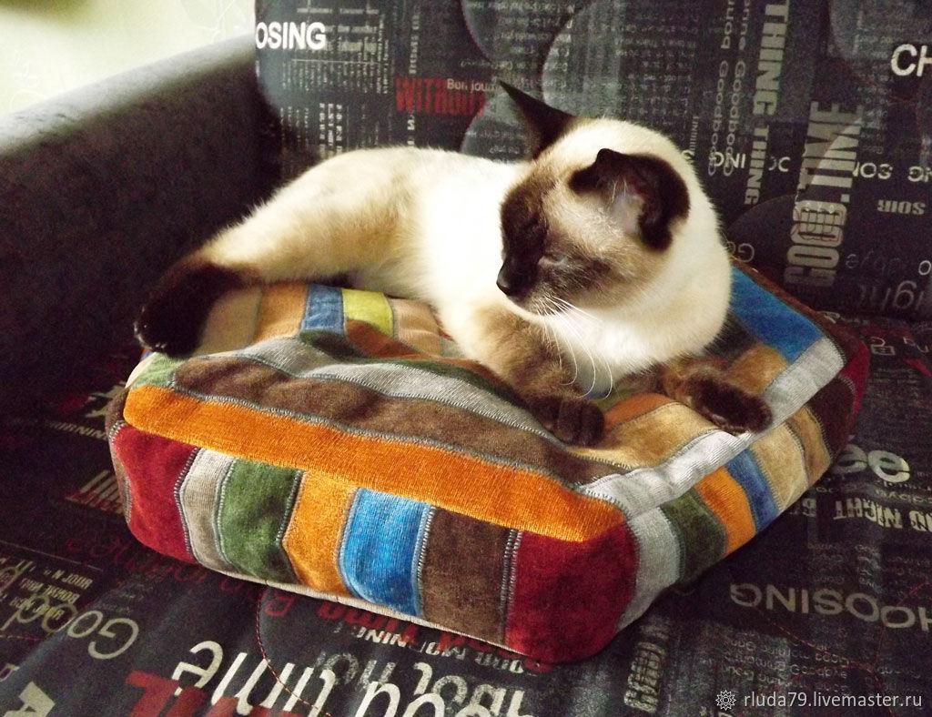 Лежанка для кошки или собаки из ткани купить интернет-магазин Ярмарка Мастеров, Нижний Новгород, Романюк Людмила