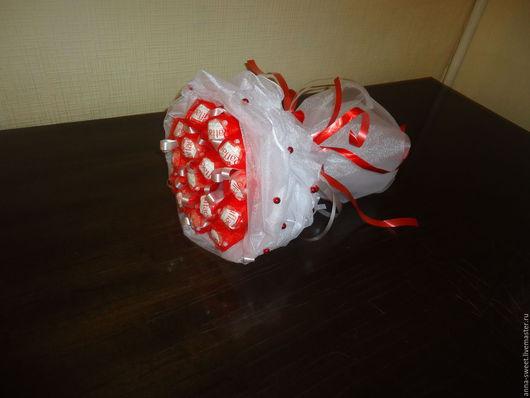 Персональные подарки ручной работы. Ярмарка Мастеров - ручная работа. Купить Букет из Raffaello. Handmade. Конфетный букет, сладкий букет