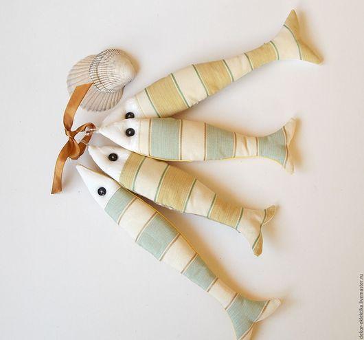 Игрушки животные, ручной работы. Ярмарка Мастеров - ручная работа. Купить Декоративные рыбки,дружная семейка из 4 текстильных рыбок.. Handmade.