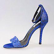 Обувь ручной работы. Ярмарка Мастеров - ручная работа Синие босоножки на каблуке из натуральной кожи питона. Handmade.