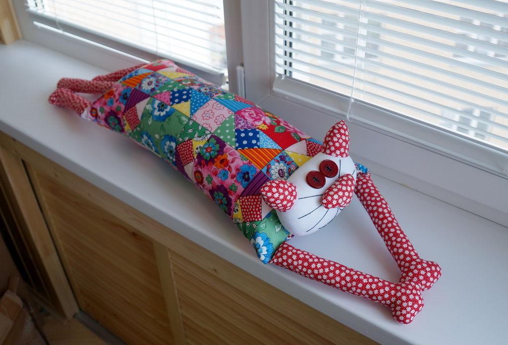 Бои подушками коты