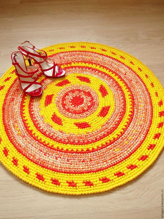 """Текстиль, ковры ручной работы. Ярмарка Мастеров - ручная работа. Купить Коврик """"Красно-Солнышко"""" текстильный вязаный. Handmade. Комбинированный"""