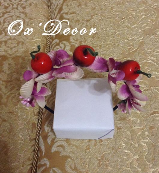 Диадемы, обручи ручной работы. Ярмарка Мастеров - ручная работа. Купить Ободок с цветами и ягодами (орхидея из ткани и вишня). Handmade.