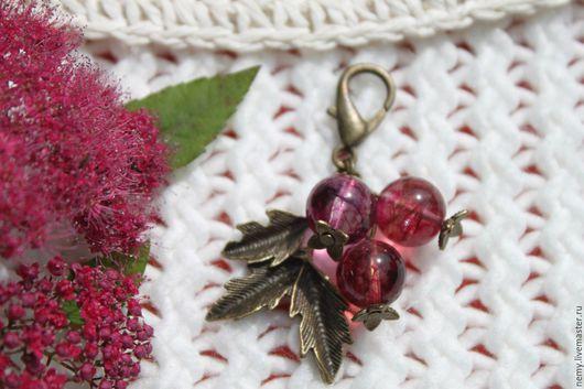 """Брелоки ручной работы. Ярмарка Мастеров - ручная работа. Купить Брелок для ключей """"Крыжовник"""". Handmade. Розовый, брелок для сумки, кварц"""