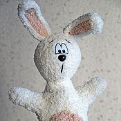 Куклы и игрушки ручной работы. Ярмарка Мастеров - ручная работа Зайка перчаточный. Handmade.
