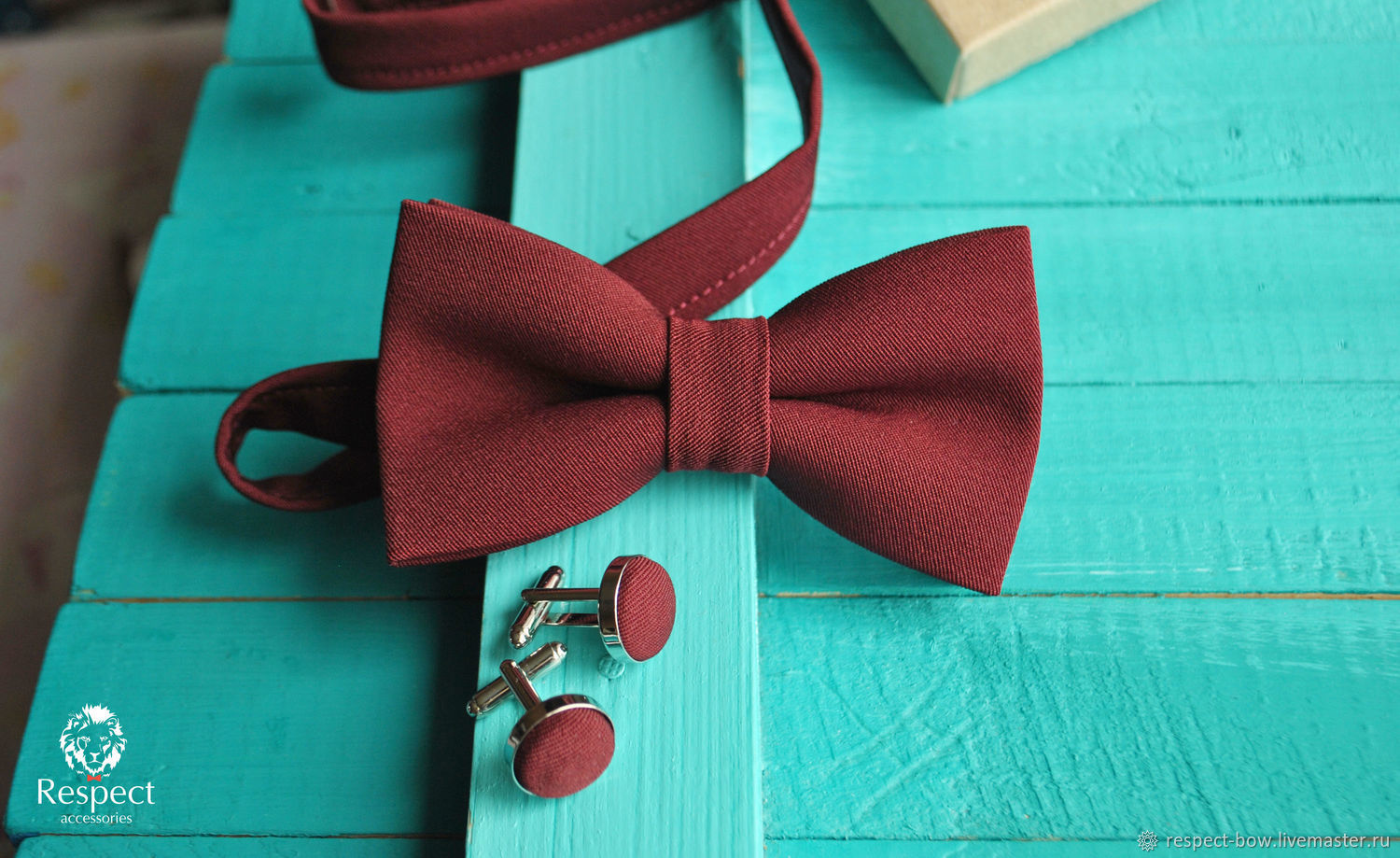 A Burgundy Bow Tie Marsala Complete With Stylish Men S Shponkami In The Same