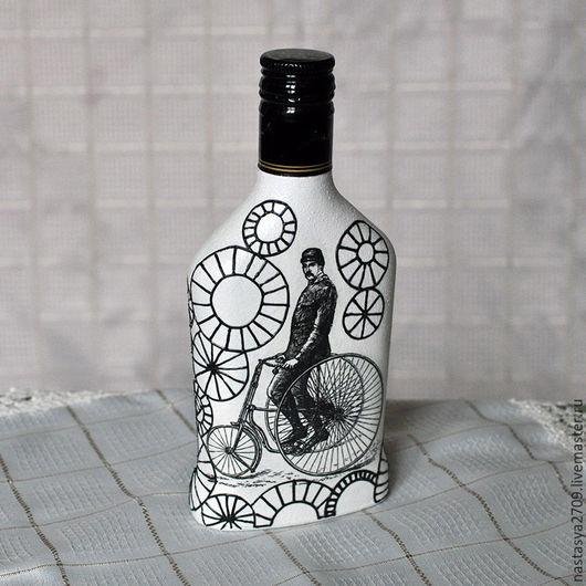 Декор бутылки в технике декупаж с росписью акриловыми контурами (0,25 л)