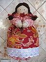 Кукла-пакетница - практичная вещица на кухне и отличный рукодельный подарок. .