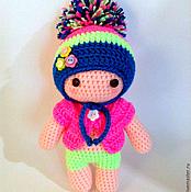 Куклы и игрушки ручной работы. Ярмарка Мастеров - ручная работа вязаный пупс в яркой шапке. Handmade.