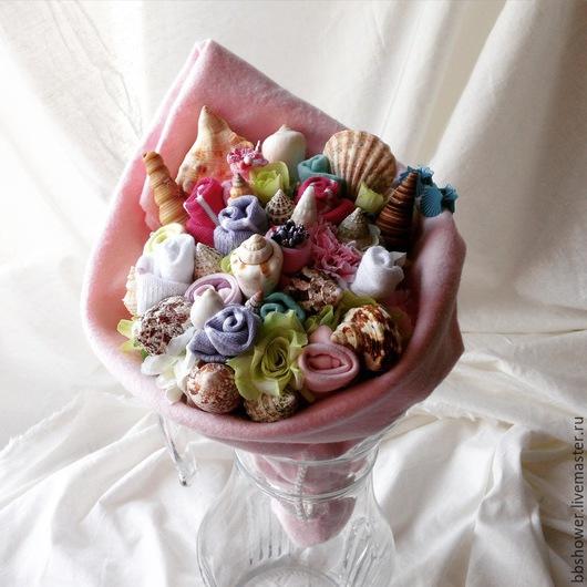 """Подарки для новорожденных, ручной работы. Ярмарка Мастеров - ручная работа. Купить Букет из детской одежды """"Загадочная ракушка"""". Handmade. Разноцветный"""