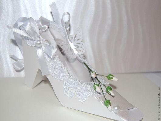 """Подарки на свадьбу ручной работы. Ярмарка Мастеров - ручная работа. Купить Туфля невесты"""". Handmade. Белый, подарок девушке, полубусины"""