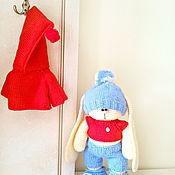 Куклы и игрушки ручной работы. Ярмарка Мастеров - ручная работа Зайчик спортсмен. вязаный зайка, заяц, игрушка. Handmade.