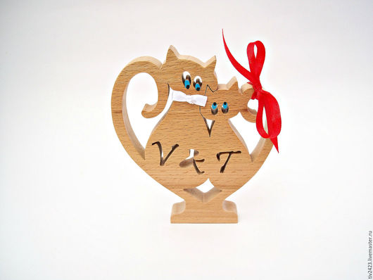 """Подарки для влюбленных ручной работы. Ярмарка Мастеров - ручная работа. Купить Именная деревянная статуэтка """"Влюбленные коты"""". Handmade. Бежевый"""
