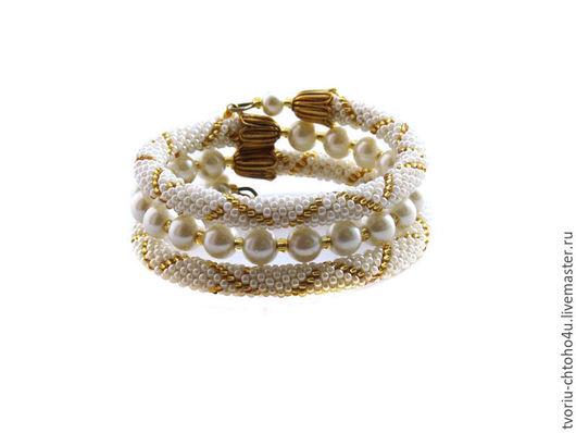 """Браслеты ручной работы. Ярмарка Мастеров - ручная работа. Купить Браслет вязаный из бисера """"Pearls & Gold"""". Браслет из бисера и бусин.. Handmade."""