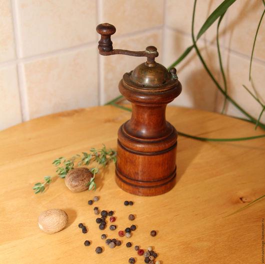 Винтажная посуда. Ярмарка Мастеров - ручная работа. Купить Мельница для специй. Handmade. Антиквариат винтаж, дерево натуральное, винтажный подарок