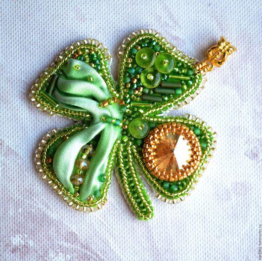 зеленый, салатовый, лаймовый, зелено, зеленый кулон, кулон на шею, кулон клевер, Святой Патрик, ирландия, клевер, клевер четырехлистый, украшение клевер, символ клевер, символ удачи, Символ счастья