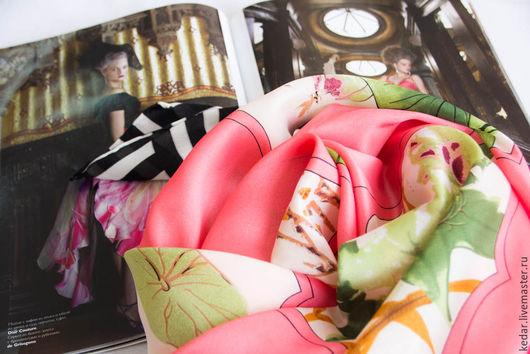 """Шали, палантины ручной работы. Ярмарка Мастеров - ручная работа. Купить Шёлковый платок из ткани  DIOR """"Bateau Fleuri"""". Handmade."""