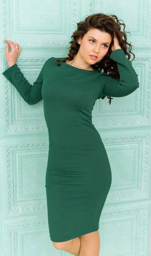 Платья ручной работы. Ярмарка Мастеров - ручная работа. Купить Темно зеленое платье обтягивающее с длинными рукавами. Handmade.