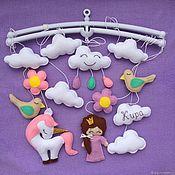 Мобили на кроватку ручной работы. Ярмарка Мастеров - ручная работа Мобиль для девочки, подарок для новорожденной, музыкальный мобиль. Handmade.