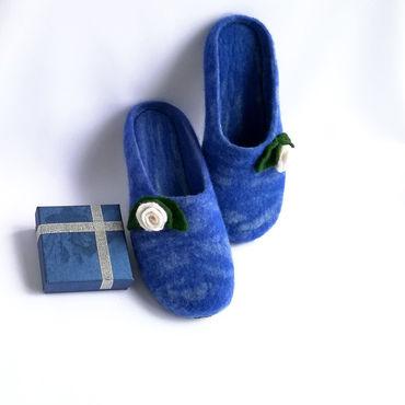 """Обувь ручной работы. Ярмарка Мастеров - ручная работа Домашние тапочки """"Розочки"""" (валяные). Handmade."""