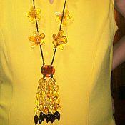 Украшения ручной работы. Ярмарка Мастеров - ручная работа Бусы янтарь с цветами длинные галстук янтарь украшение цветы. Handmade.