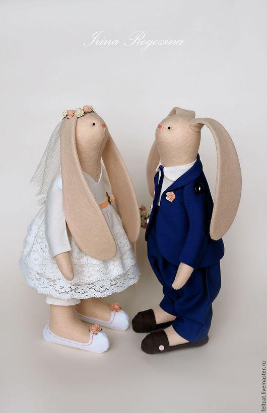 """Подарки на свадьбу ручной работы. Ярмарка Мастеров - ручная работа. Купить """" Синий и персиковый """" свадебные зайцы в подарок на свадьбу. Handmade."""